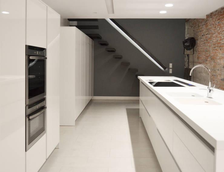Kitchen - Loft Barcelona | 08023 Arquitectos: Cocinas de estilo  de 08023 Architects