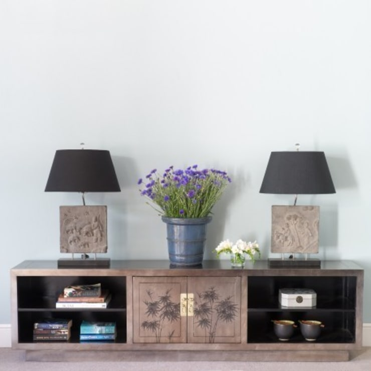 Silver Leaf Media Unit:  Living room by Orchid