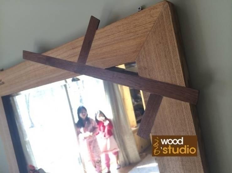 에쉬 거울: 홍스목공방의  거실