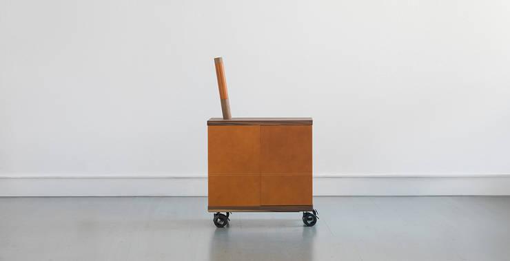 QUAC – BAR:  in stile  di Tonuccidesign, Eclettico