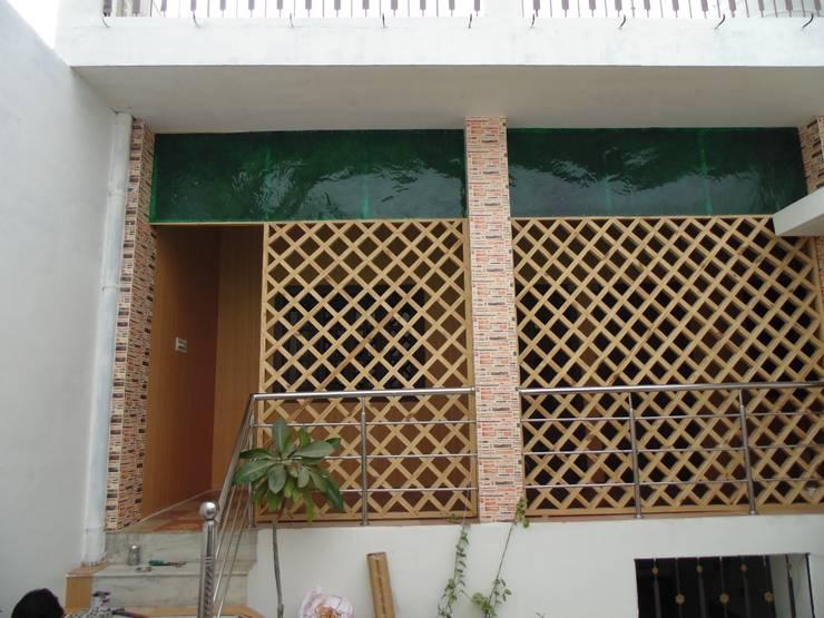 Mini Home Resort:  Walls by Floor2Walls