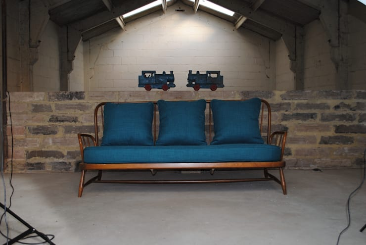 Vintage Ercol Jubilee Sofa in Teal :  Living room by Sketch Interiors