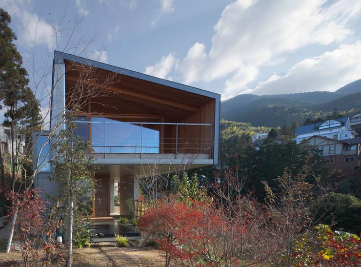 西側外観: TOSHIAKI TANAKA&ASSOCIATES/田中俊彰設計室が手掛けた家です。