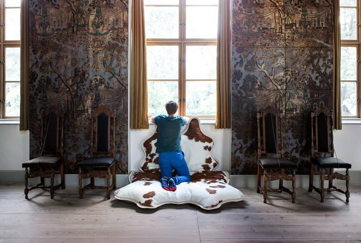BIG FELLOW lounger:   von DIVijSOR