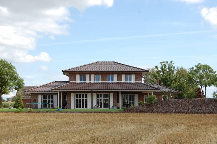 Houses by Heinrich Blohm GmbH - Bauunternehmen,