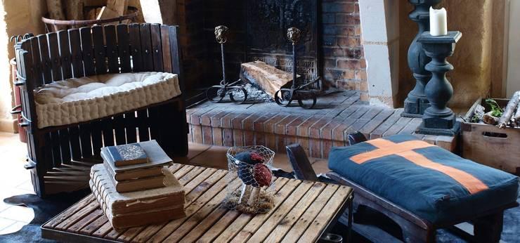 Fauteuil Grapa: Salon de style  par la p'tite fabrik