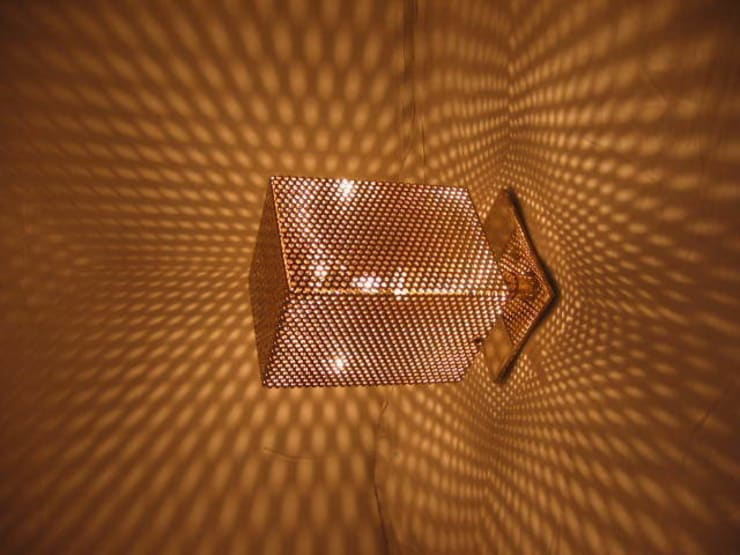 luminaire acier nickelé:  de style  par LUC GENSOLLEN