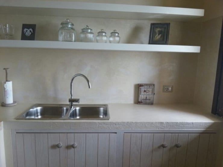 una cucina al mare: Cucina in stile in stile Moderno di AB design