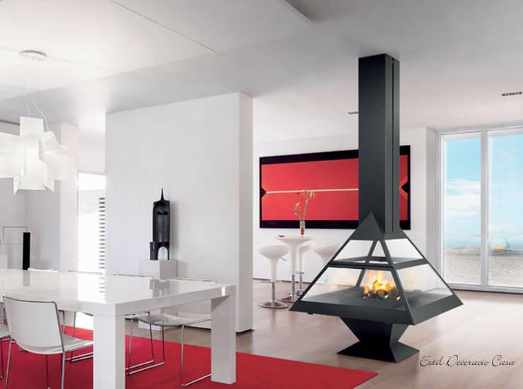 Cheminée centrale Admeto: Livings de estilo  por insert