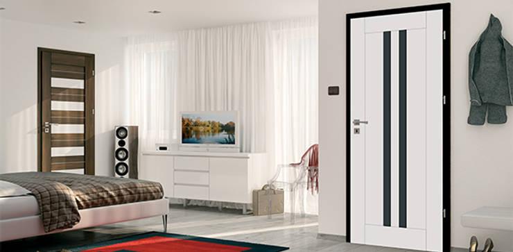Porte intérieure design MEDIOLAN: Fenêtres & Portes de style  par Coliséo