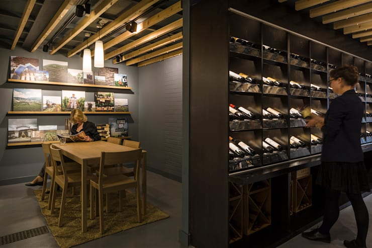 Berry Bros & Rudd Basingstoke:  Commercial Spaces by Mowat & Company Ltd