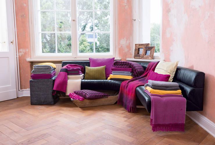 Dormitorios de estilo  de 'zoeppritz since 1828'