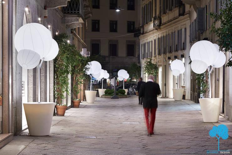 Via della Spiga: Spazi commerciali in stile  di Bellaria Design,