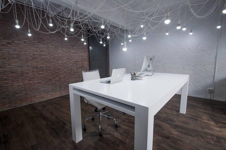 Study/office by Ramos Bilbao Architects