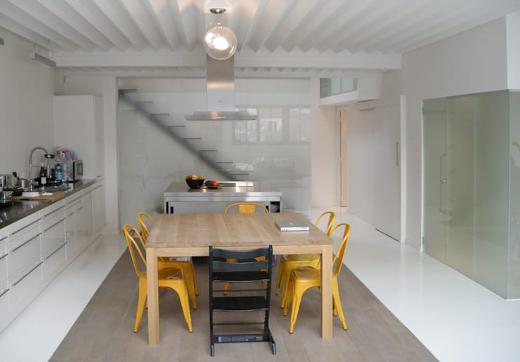 modern Dining room by Barbara Sterkers , architecte d'intérieur