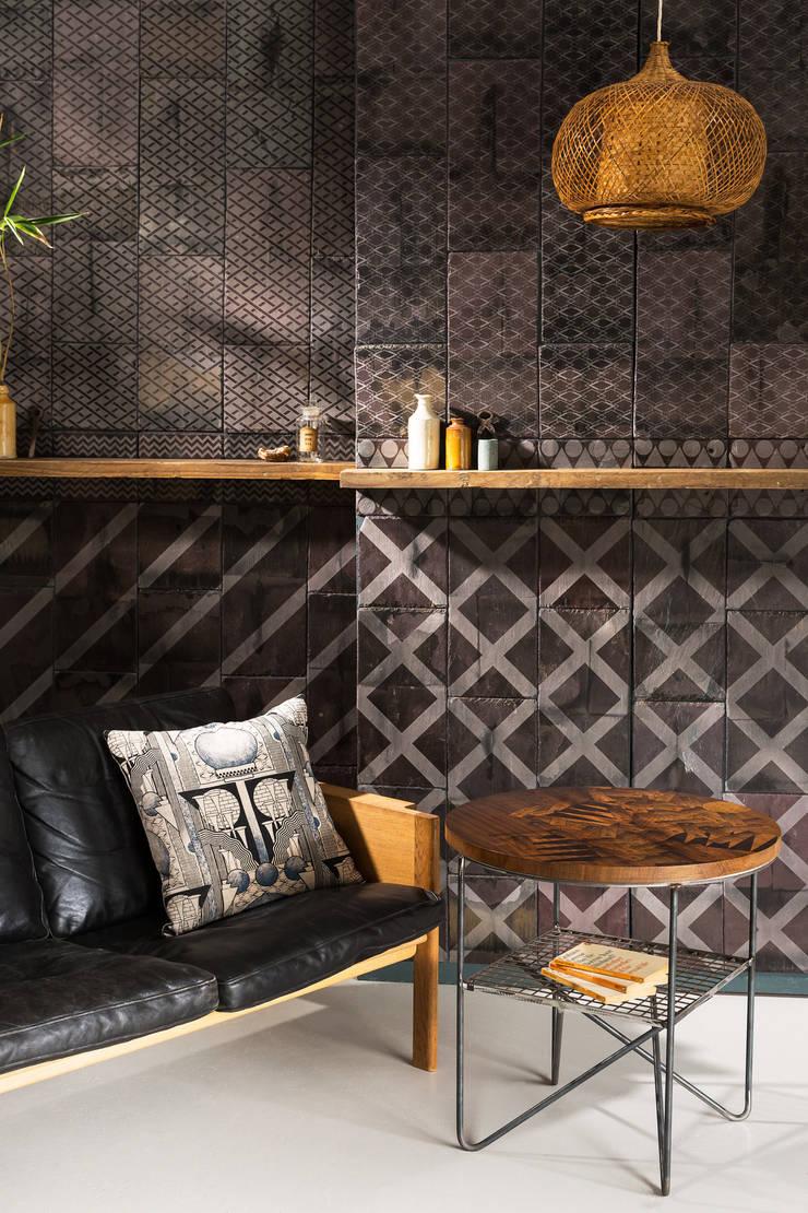 Apollo Occasional Table:  Living room by Daniel Heath Studio