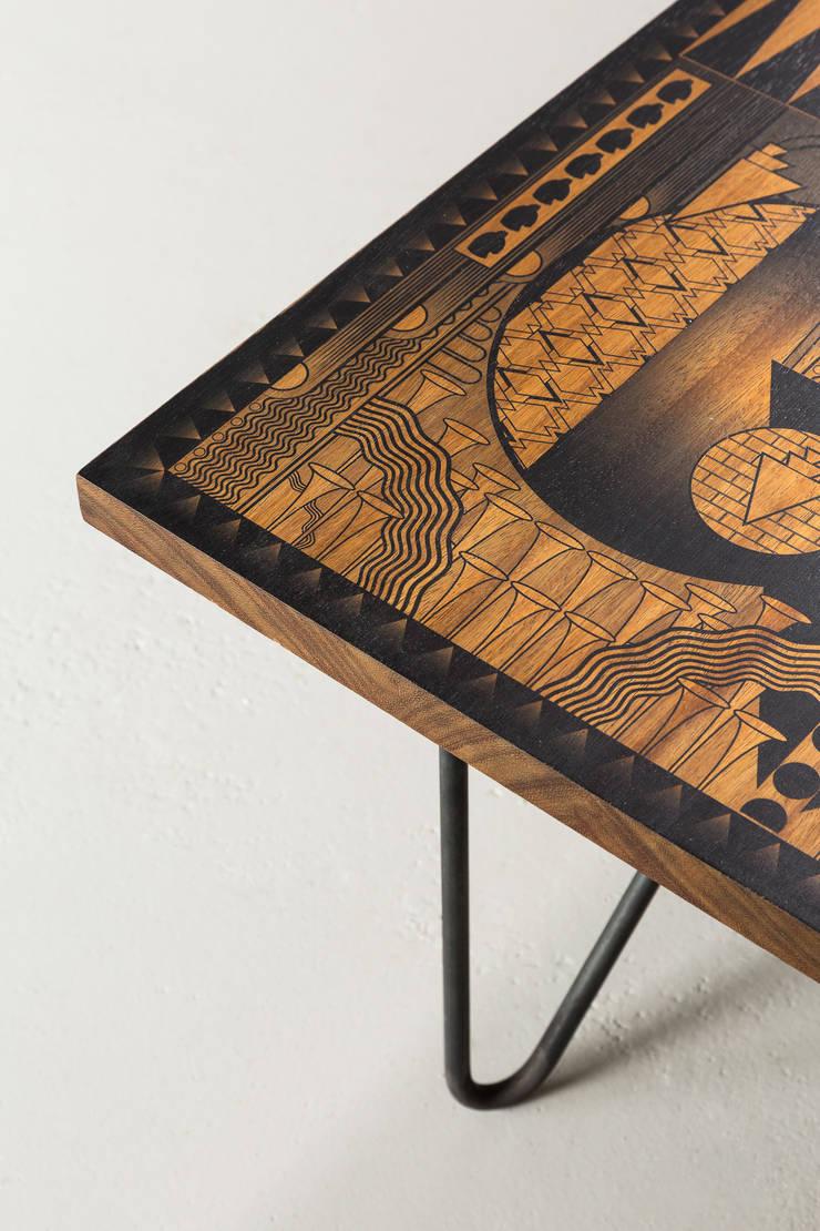 Astoria Coffee Table:  Living room by Daniel Heath Studio