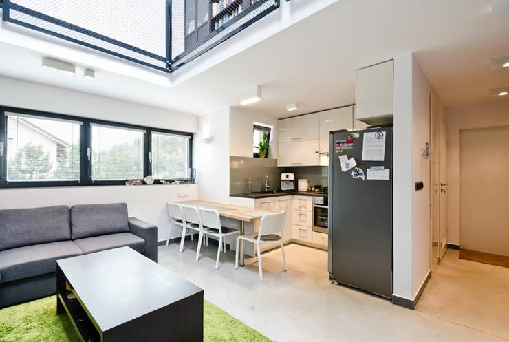 apartament dwupoziomowy: styl , w kategorii Kuchnia zaprojektowany przez ENDE marcin lewandowicz,Nowoczesny