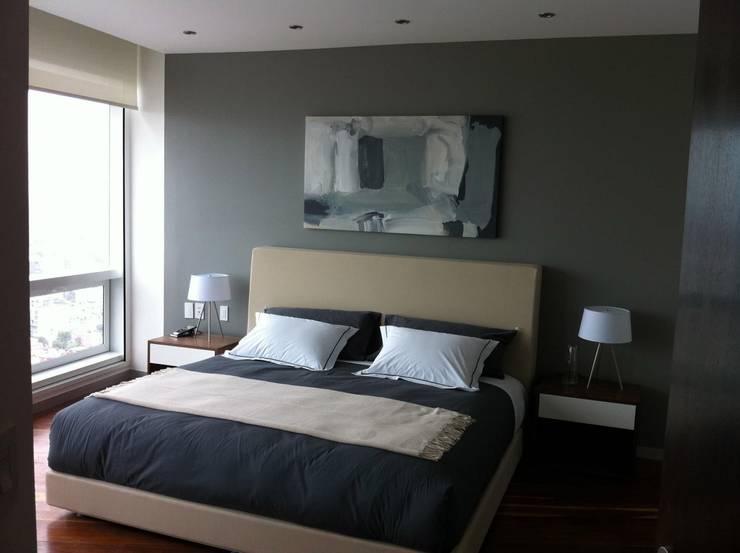 St. Regis Residence 2105: Casas de estilo  por PHia