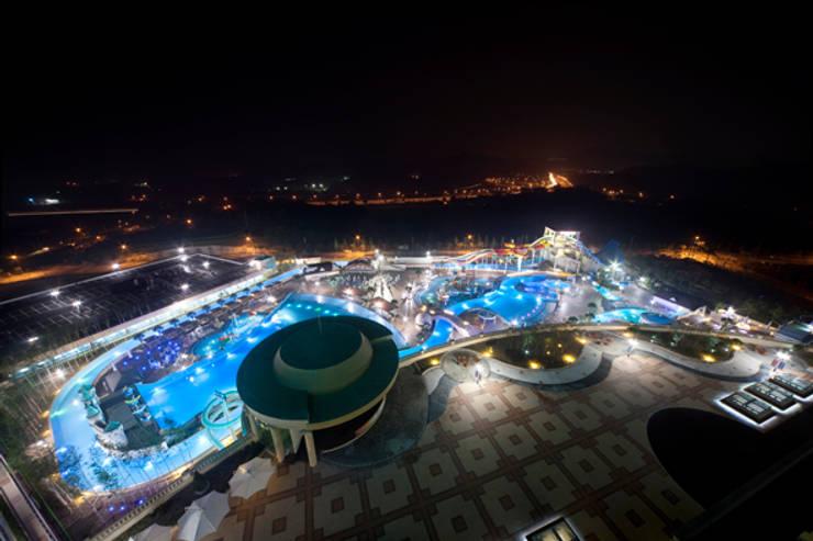 Cheonan Huracle Resort: 나우동인건축사사무소의  호텔