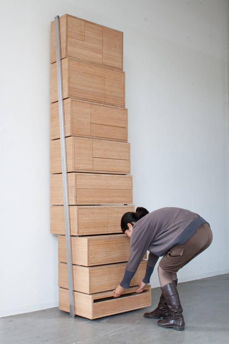 Staircase:  Woonkamer door Danny Kuo Design