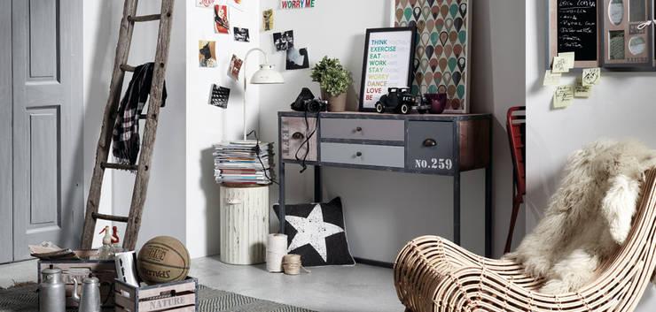 Hogar de estilo  por Muebles Flores Torreblanca