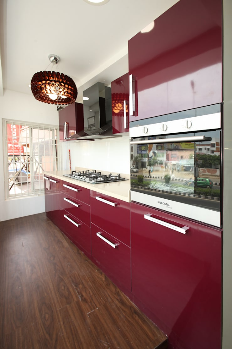 Berry Bunch:  Kitchen by Classic Kitchen Pvt Ltd