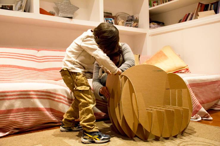 Nanosphere: Stanza dei bambini in stile  di Dmdesign