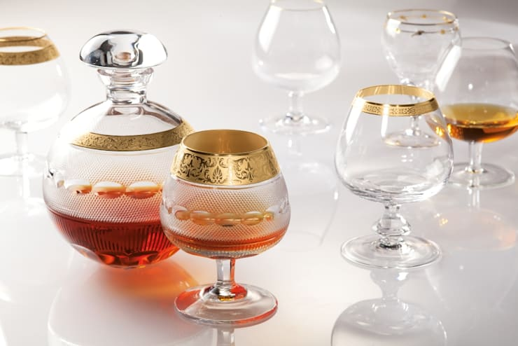 Sofistike – MOSER Kristal / farklı koleksiyonlardan Brandy karaf ve kadehleri:  tarz Yemek Odası