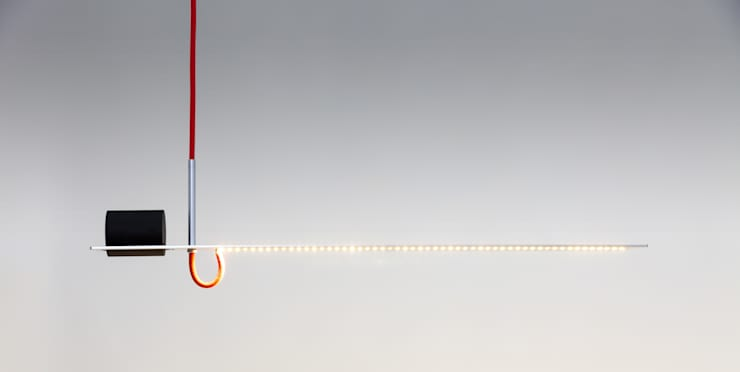 Balance Lamp: minimalistische Studeerkamer/kantoor door Geluk Design