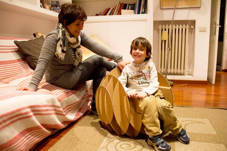 Nanosphere: Stanza dei bambini in stile in stile Eclettico di Dmdesign