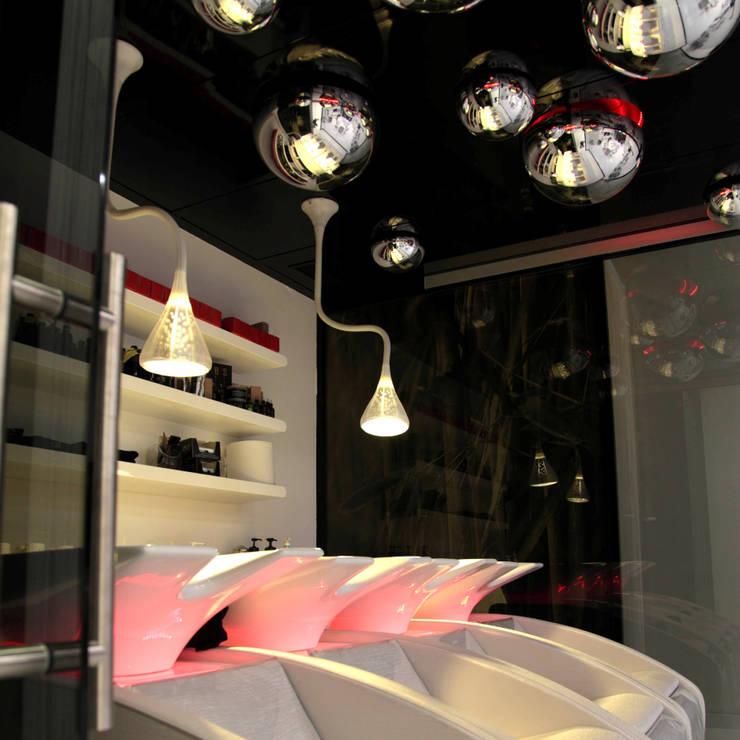 de style  par ARCHITETTURE & DESIGN, Moderne