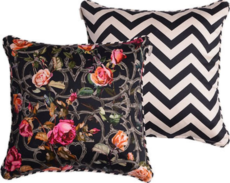 Rose Trellis Cushion:  Living room by Emily Humphrey Design