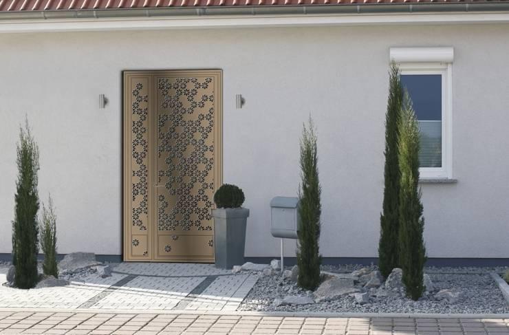Design contemporain - porte florale:  de style  par Fer forgé