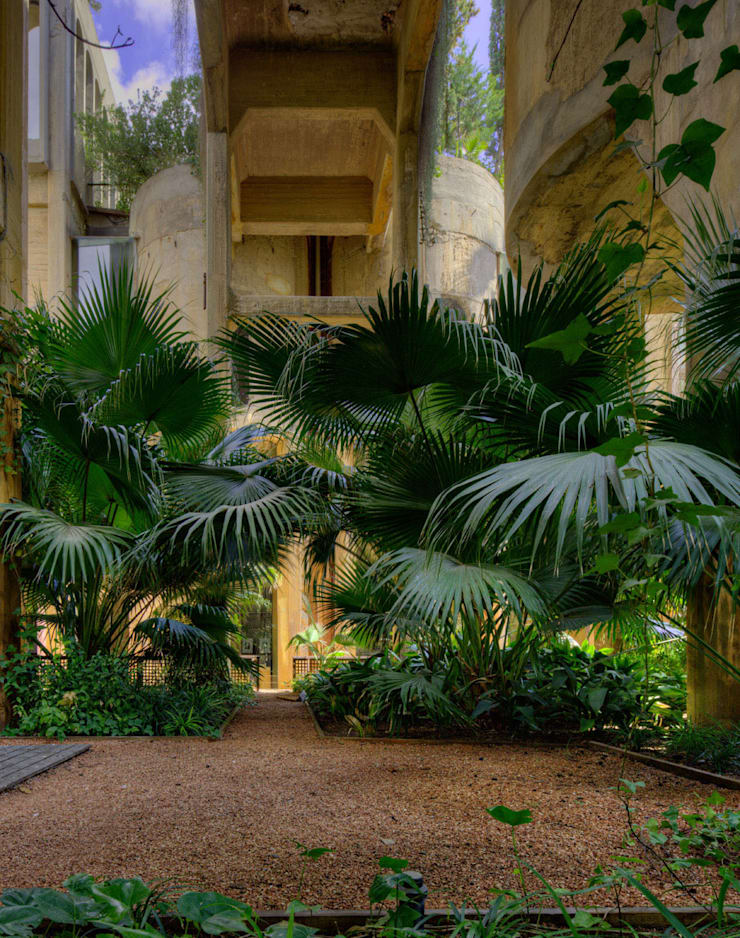 LA FABRICA:  de estilo  de Ricardo Bofill Taller de Arquitectura