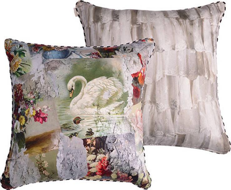 Marchè aux Puces cushion:  Living room by Emily Humphrey Design