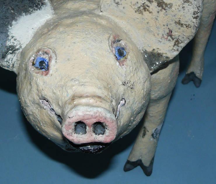 Ceramic Pig:  Artwork by Boyne-Whitelegg Pottery