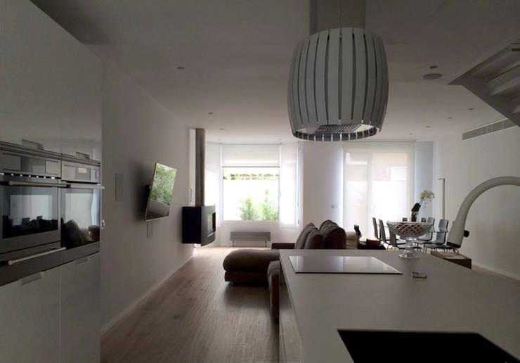 Vivienda ARA_Aravaca 1#: Casas de estilo  de Calizza Interiorismo