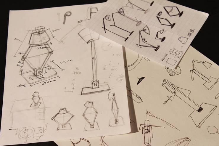 Wooden Desk Lamp: Bureau de style  par Hugo Chaffiotte