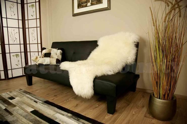 Ökolammfel auf dem Sofa:   von Felloase,Klassisch