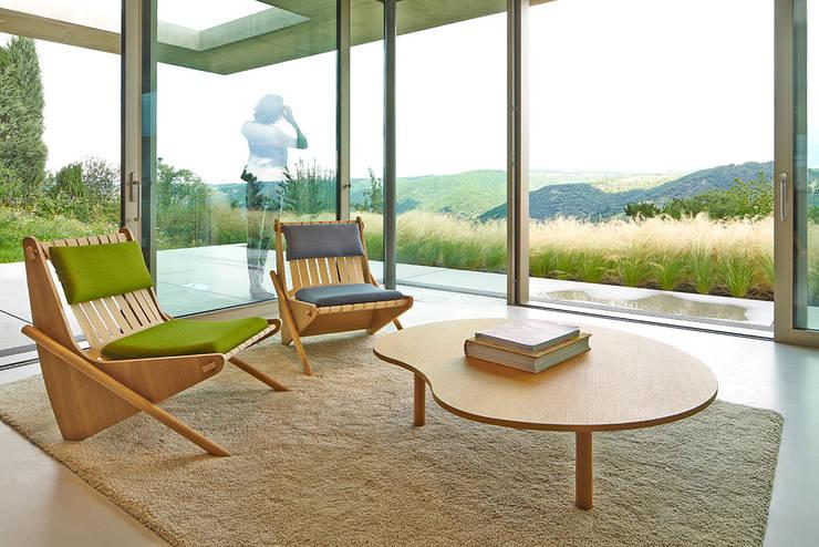 Richard Neutra: moderne Wohnzimmer von Oliver Rieger Photography