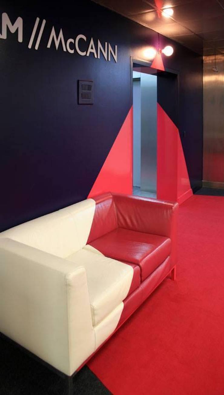 Reforma oficinas:  de estilo  de Raúl Lázaro