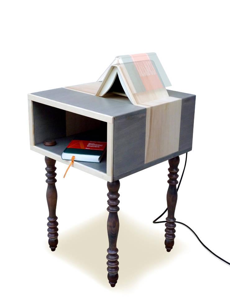 ComoLight-Book: Casa in stile  di XYZ FACTORY