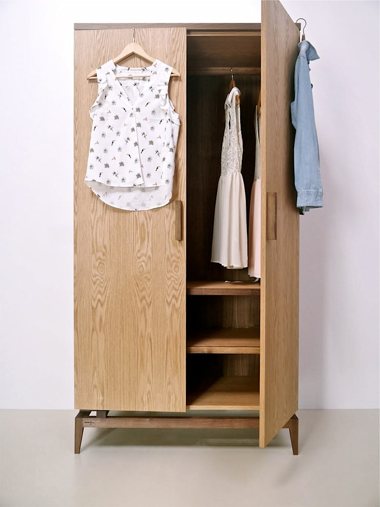 Stilt Wardrobe:  Bedroom by Barnby & Day