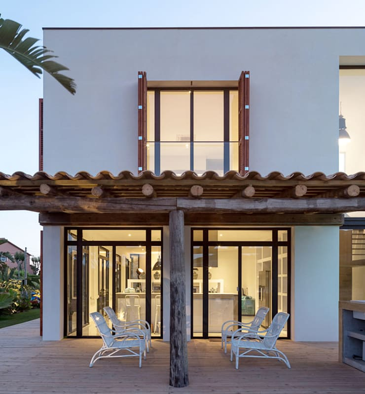 Casas de estilo mediterráneo de 08023 Architects Mediterráneo
