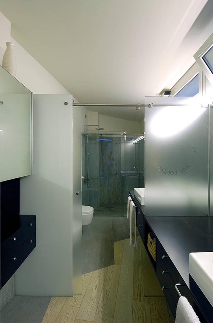 Appartamento su tre livelli, Milano:  in stile  di Cini Boeri Architetti,