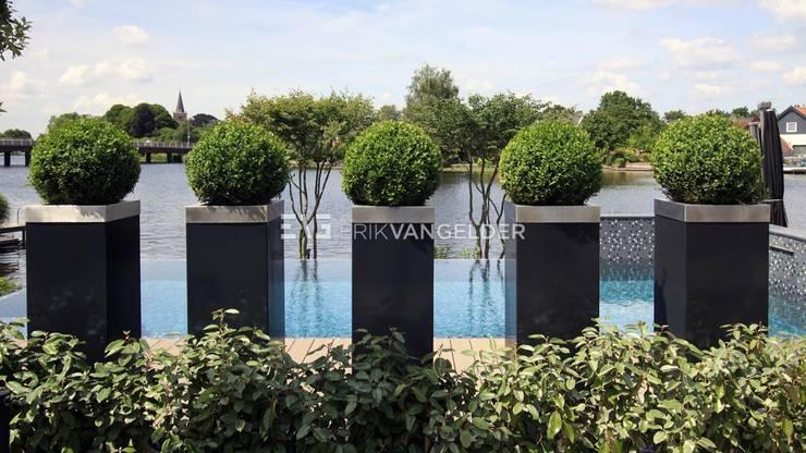 por ERIK VAN GELDER | Devoted to Garden Design Moderno
