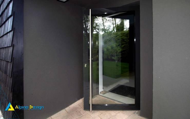 Ogrody zimowe: styl nowoczesne, w kategorii Domy zaprojektowany przez Alpina Design