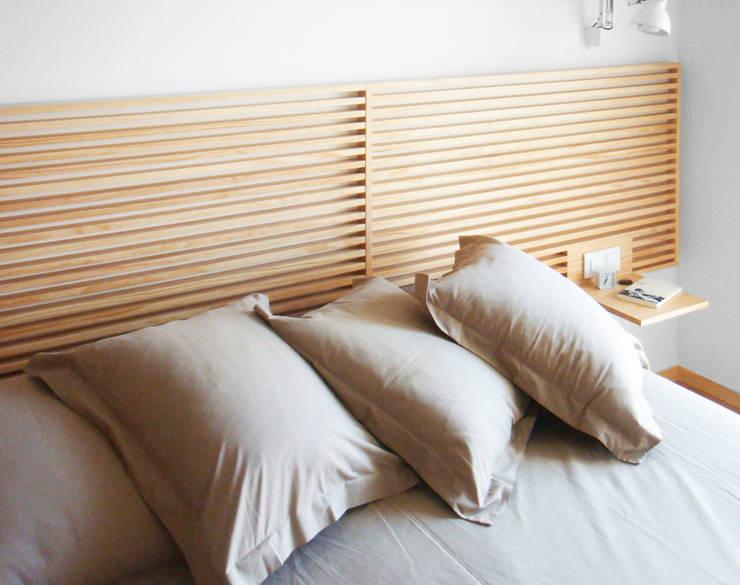 Detalle Cabecero | Casa Estudio PJ: Casas de estilo  de 08023 Architects