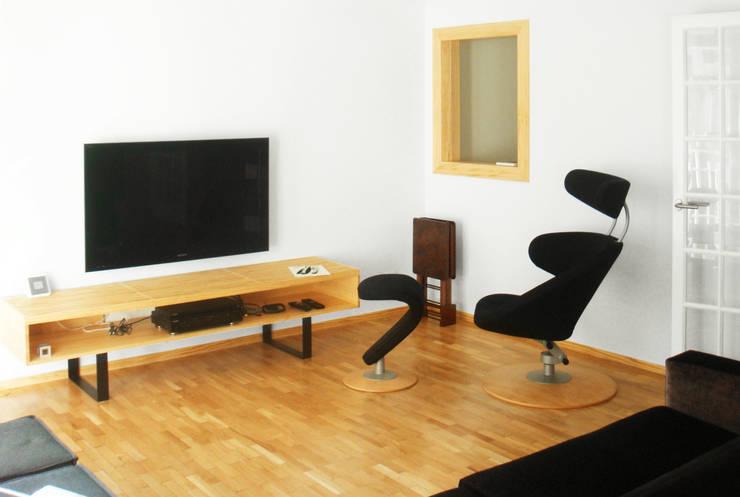 Salón | Casa Estudio PJ: Casas de estilo  de 08023 Architects